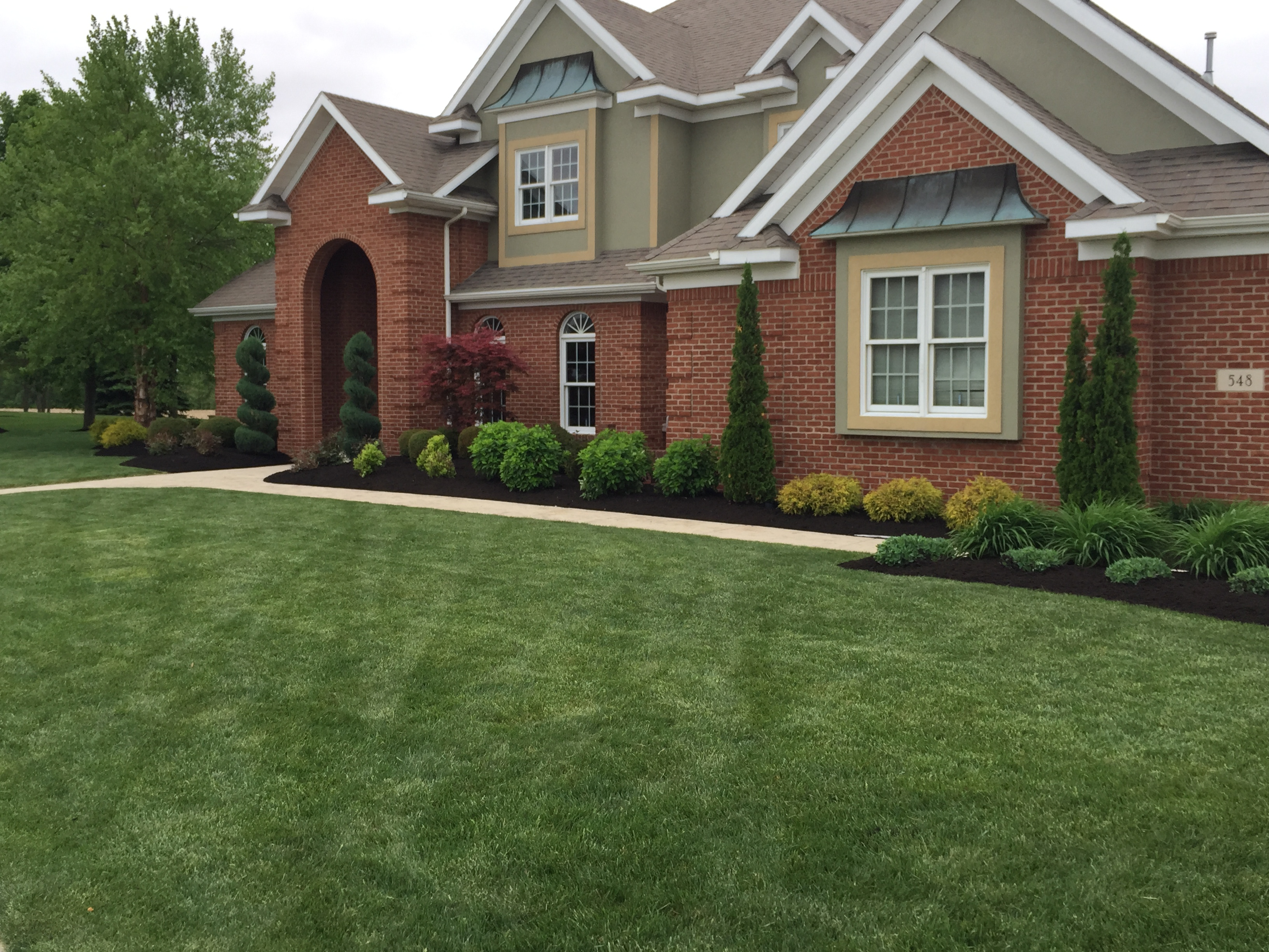 Landscaping curb appeal landscape lawncare for Curb appeal landscaping