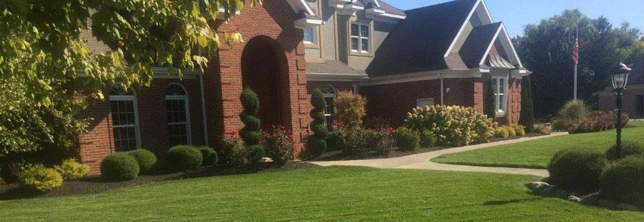 Curb appeal landscape lawncare lima ohio for Affordable garden services